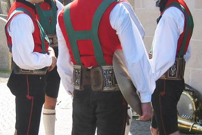 Dorf Tirol's marching band - traditional costume